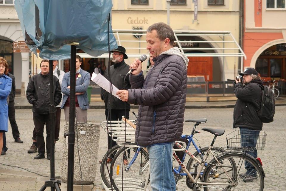 Stanovisko KOD zaznělo na demonstraci vČeských Budějovicích