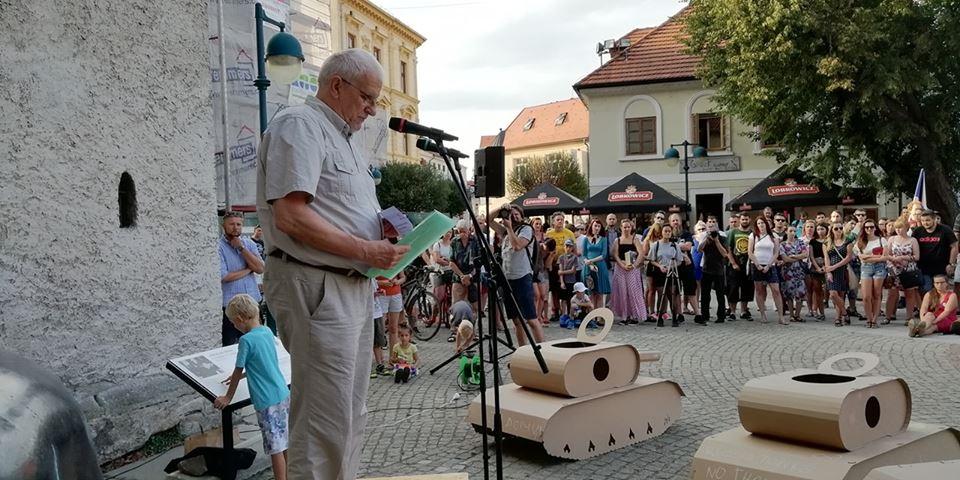Fotogalerie: Vystoupení předsedy KOD navzpomínkové akci k 21. srpnu v Českých Budějovicích