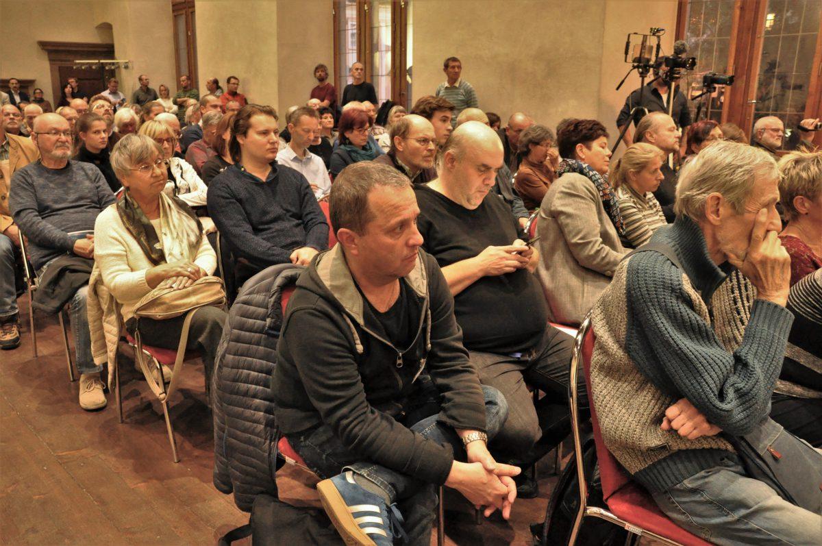 Fotogalerie: Diskusní večer Klubu naobranu demokracie 3. října 2018