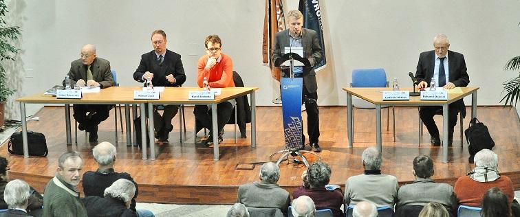 Zleva: Luboš Dobrovský, Roman Joch, Karel Svoboda, Ladislav Mrklas, Bohumil Doležal